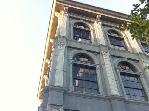 The corner of the boring office facade at Disney's Hollywood Facade