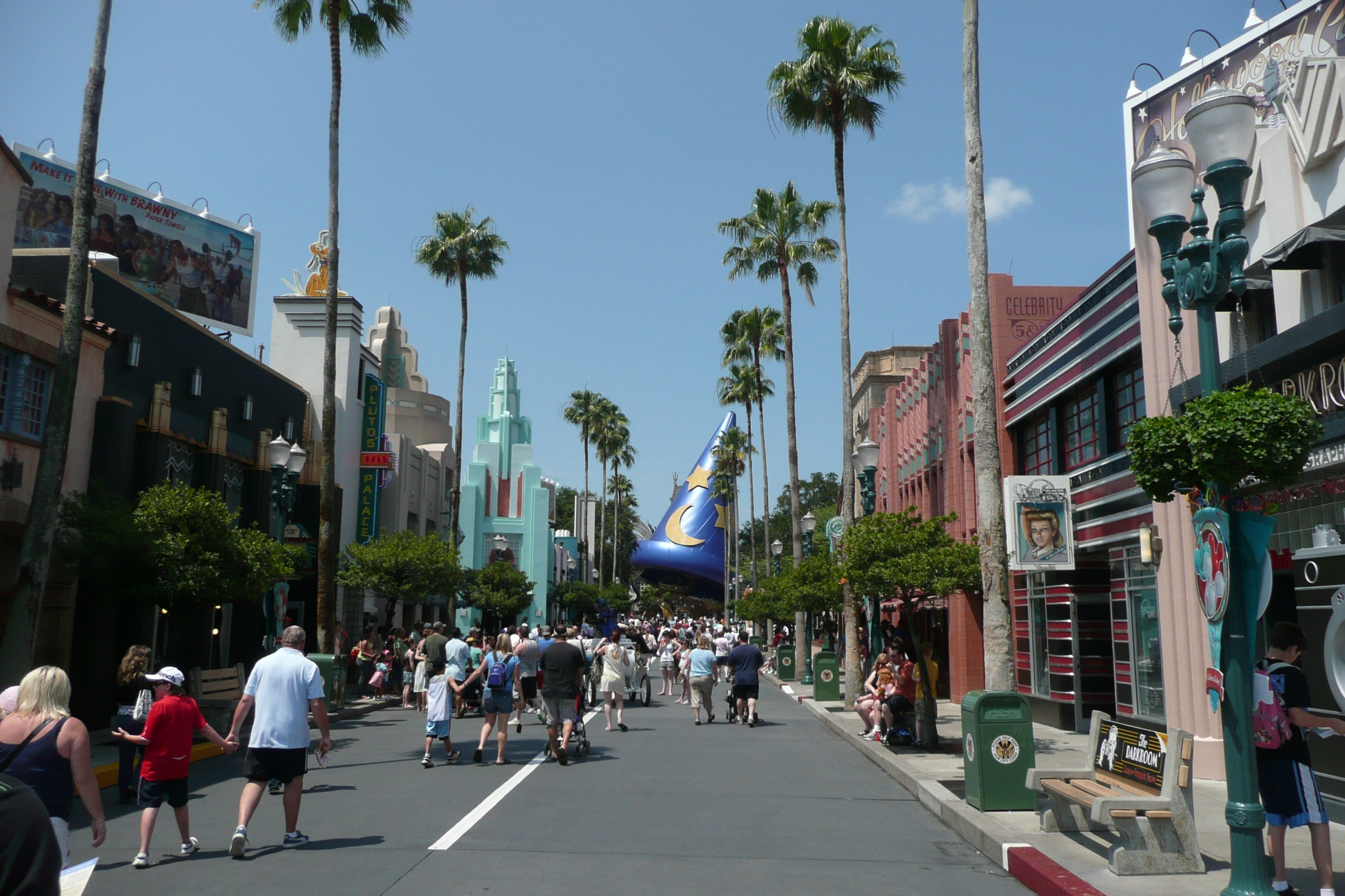 hollywood_boulevard_at_disneys_hollywod_studios_by_the_consortium