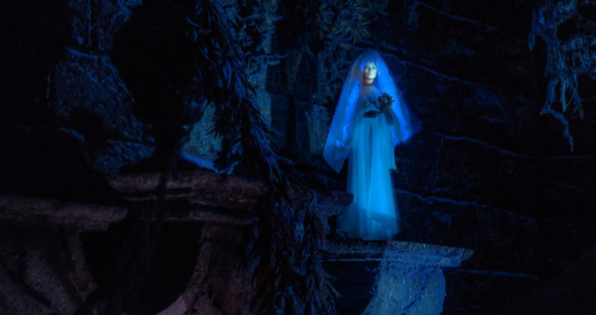 Little Leota in the Haunted Mansion