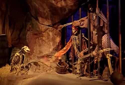 Shanghai Disneyland Pirates of the Caribbean skeleton dog with the keys